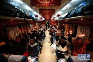 黑龙江卫视《春运·回家的路》公益活动温暖学子心