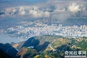 巫山的文峰景区 全国扬名的巫山红叶,错过好时机就要再等一年