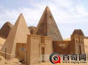 苏丹竟出现神秘金字塔:石门刻冥界之神