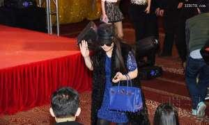 李湘携女儿出席《澳门风云2》 身体发福疑似有孕